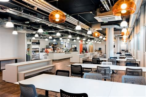 » easyJet Offices & Training Facility by Area Sq at