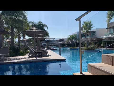 The Bay Hotel & Suites 4