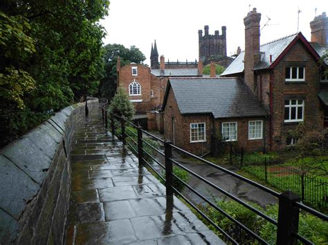 Travelling the Canals of England: To Chester and back again