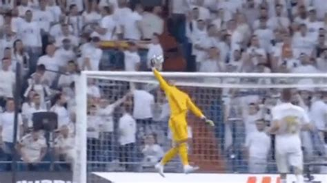 Watch: Areola One-Hand Save Helps Real Madrid Keep Clean Sheet