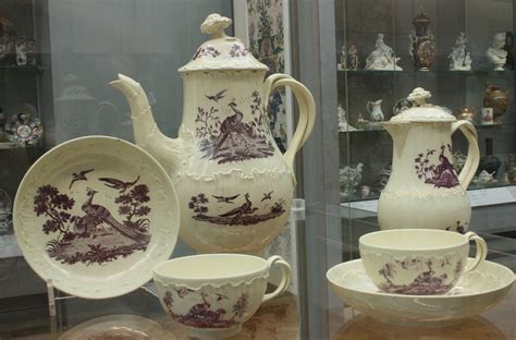 File:BLW Tea and coffee service, Staffordshire