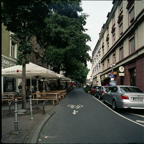 Navigating the Districts of Frankfurt, Germany - Expatify