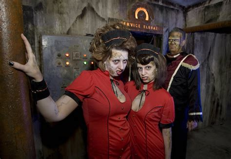 10 Extreme Haunted Attractions Across America - Toptenz