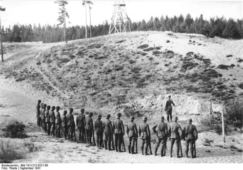 Execution of partisans by soldiers of Army Group North