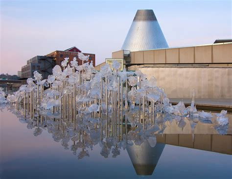 A Dale Chihuly Tour of Tacoma: Glasstown, U